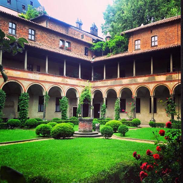 Chiostro delle Umiliate, via Cappuccio 7 a Milano. Tra i cortili aperti domenica 24 maggio.