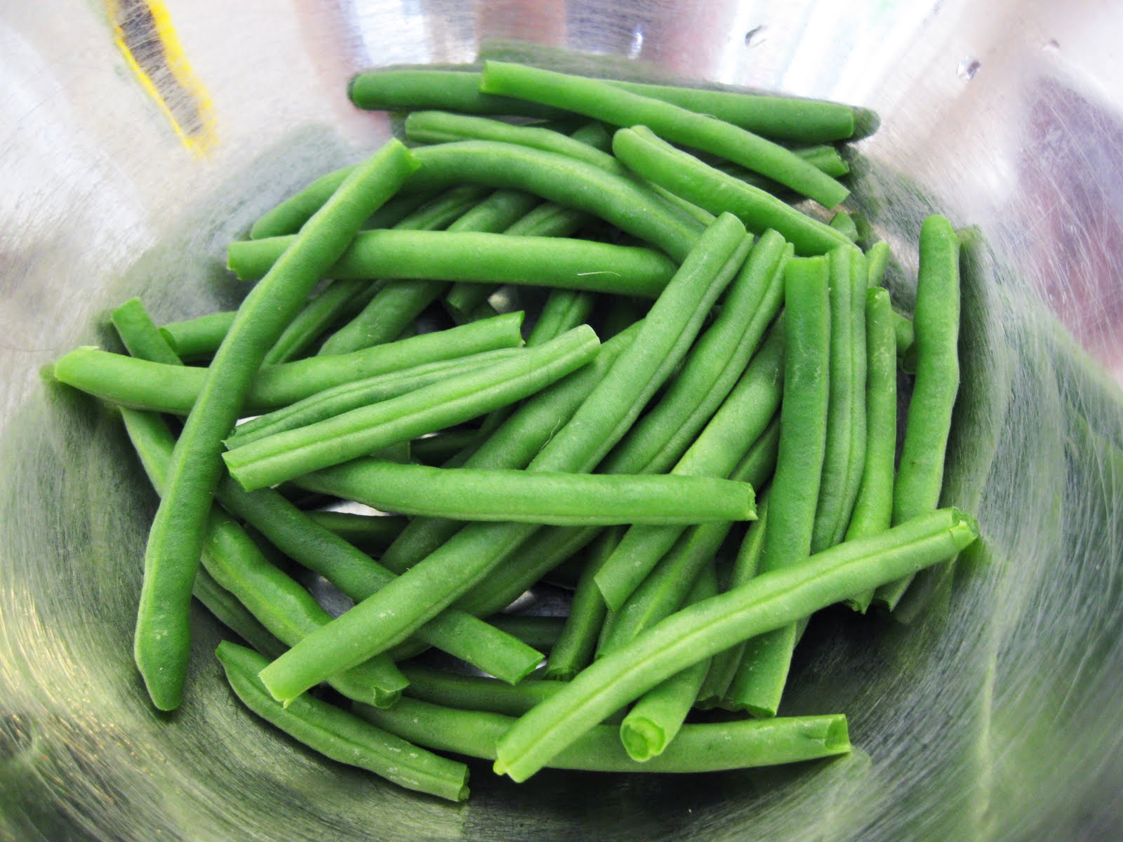 Bloatal Recall: Minted Green Beans with Red Onion