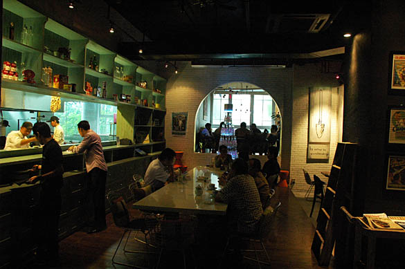 Poste Kitchen + Bar, Kuningan