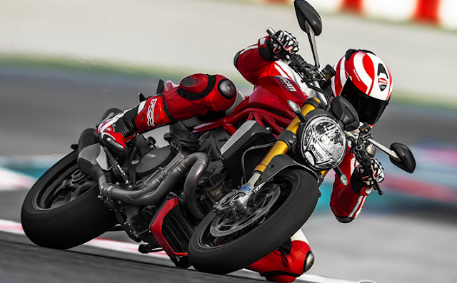2016 Ducati Monster 1200 R Review