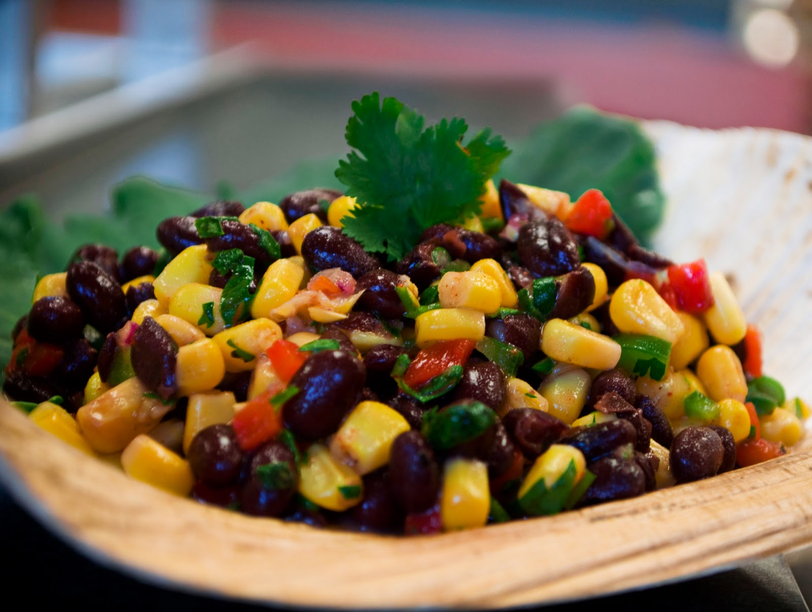 Southwestern Corn and Black Bean Pico Salad! This is such a simple way ...
