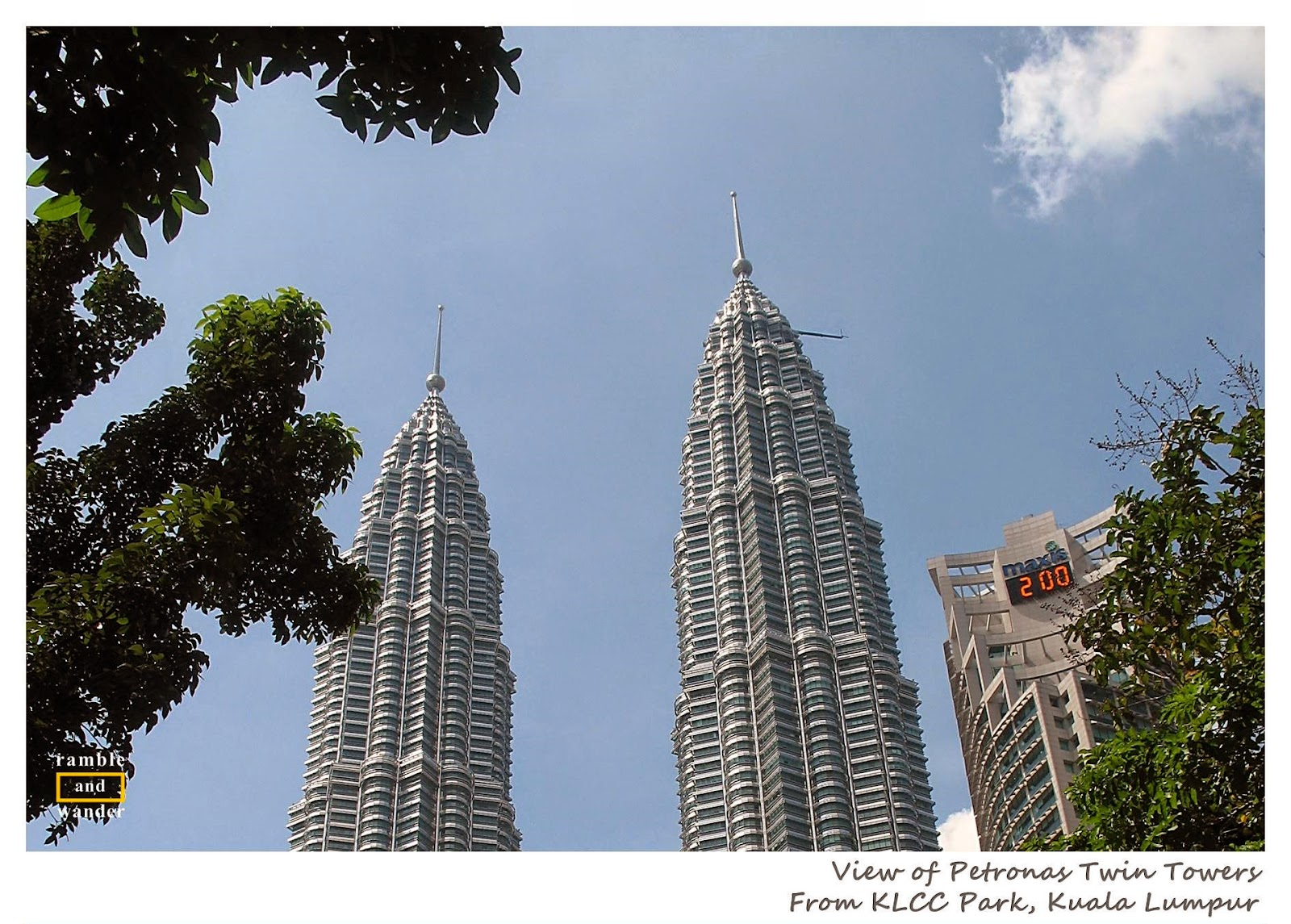 Malaysia: KLCC Lake Symphony Water Fountain Show