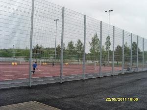 Tenniksen perusteita ja alkeita Pirkkalan tenniskentillä