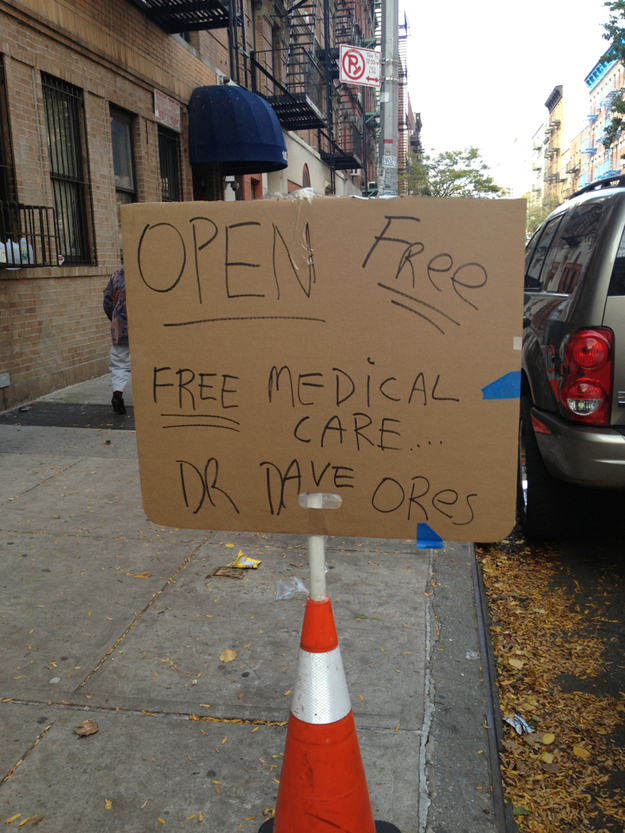 26 Moments That Will Restore Your Faith In Humanity Again - This doctor offered free medical care after Hurricane Sandy