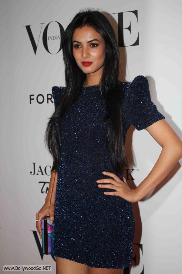 Sona+Chauhan+Fashion+-+BollywoodGo+(2)