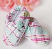 http://translate.googleusercontent.com/translate_c?depth=1&hl=es&rurl=translate.google.es&sl=en&tl=es&u=http://www.1dogwoof.com/2014/03/baby-cloth-shoes-pattern-silhouette-cut-file.html&usg=ALkJrhh_rcWTVgCApTanRVwukfOviW4bcw