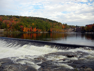 The waterfall in Rumford, Maine during fall