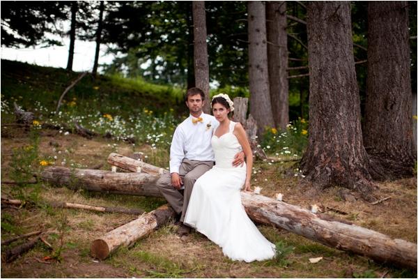 Longhorn Ranch Inspiration Shoot by K.Lindmeier Photography via www.lemagnifiqueblog.com // #wedding #bride #groom