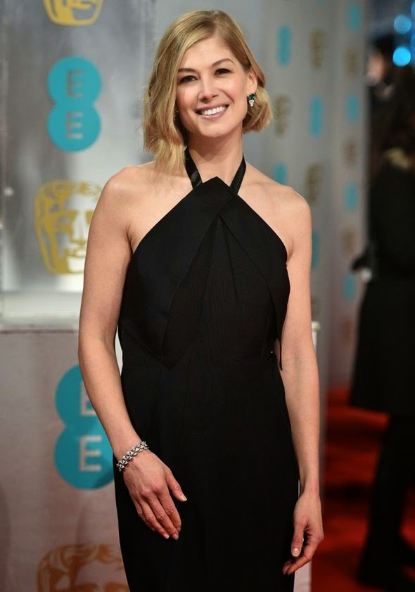 Rosamund Pike got all the details on her stunning the 2015 BAFTAs look right here at London, England on Sunday, January 8, 2015.