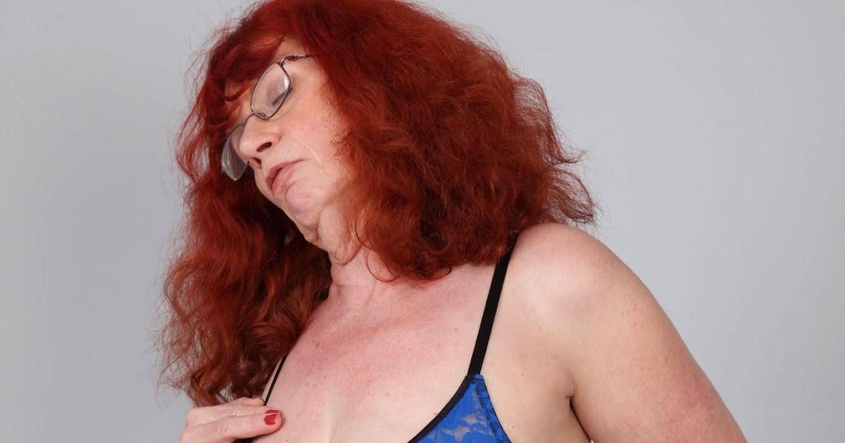 Sexy big ass latina milf