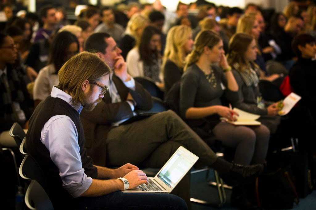 Event Blogging - Benefits and Drawbacks.