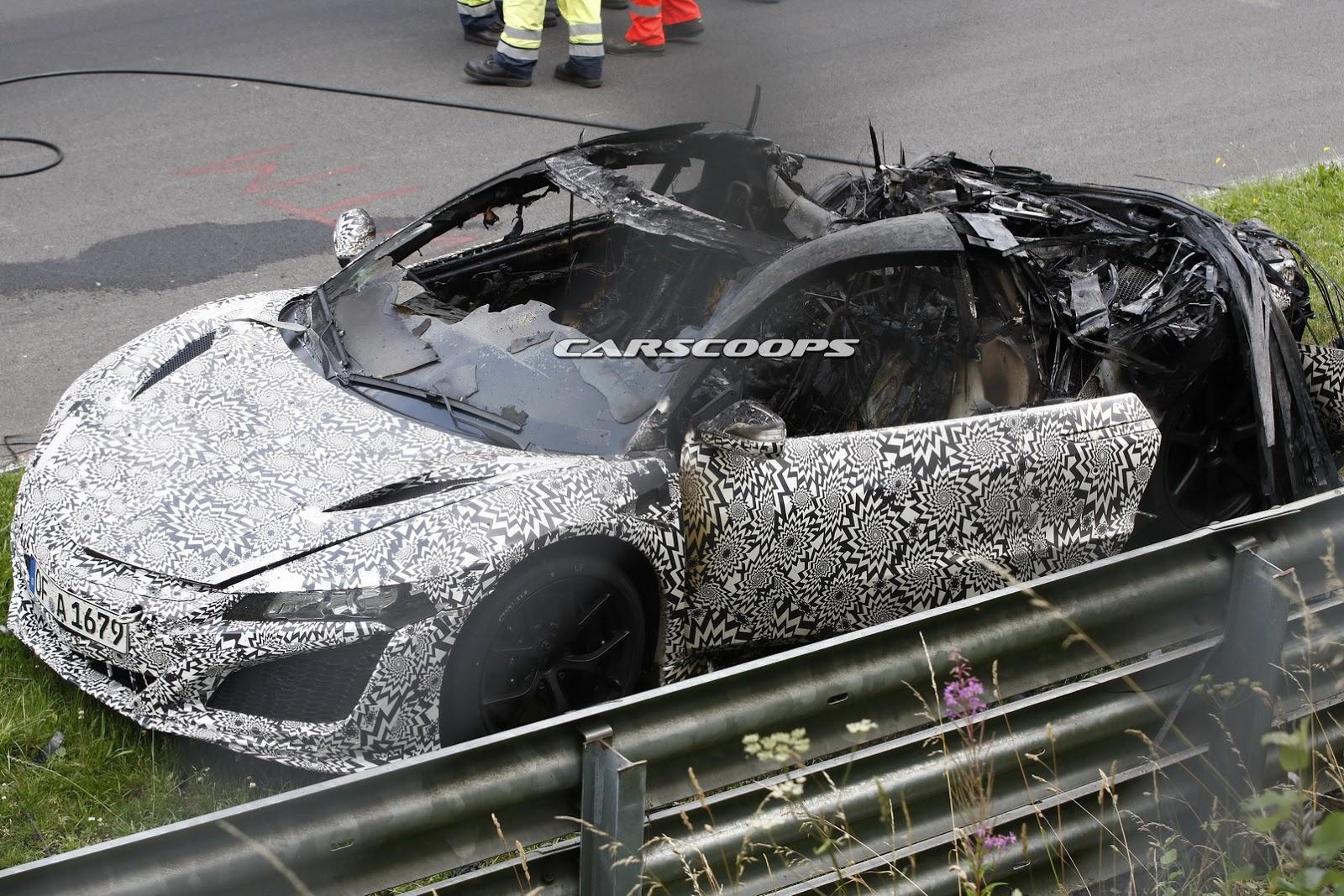 2016-Acura-Honda-NSX-Fire-4Carscoops.jpg