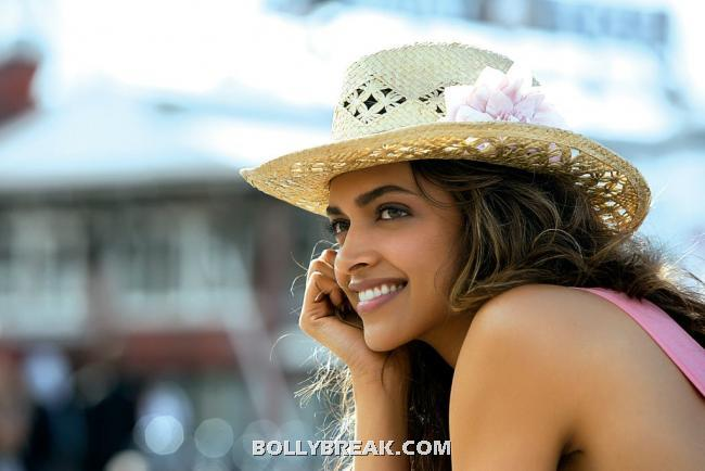 , Deepika Padukone Latest Hot Cocktail Stills