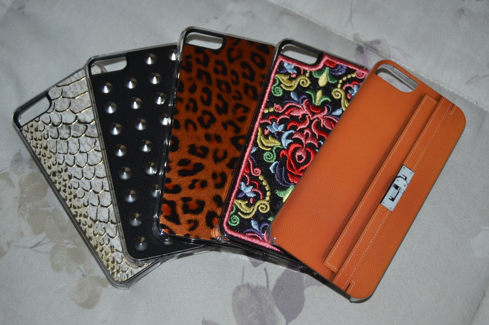 http://www.syriouslyinfashion.com/2014/02/benjamins-cool-iphone-cover-for-everyone.html