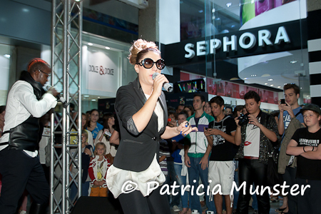 Vogue meets Sephora: a street party with VEGAS! - Fashion & Art