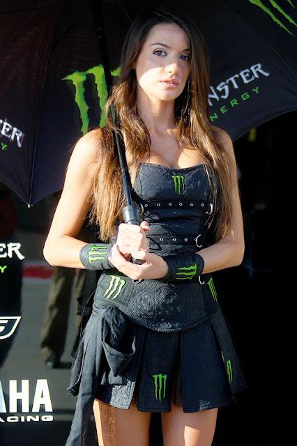Gambar foto Gadis payung sexy motoGp21.jpg
