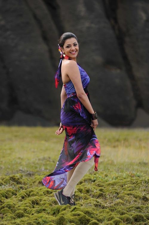Kajal Agarwal Hot Back Show In Nayak Kajal Agarwal Stills I...