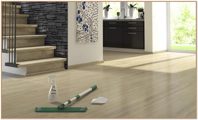 how to clean wood laminate floors