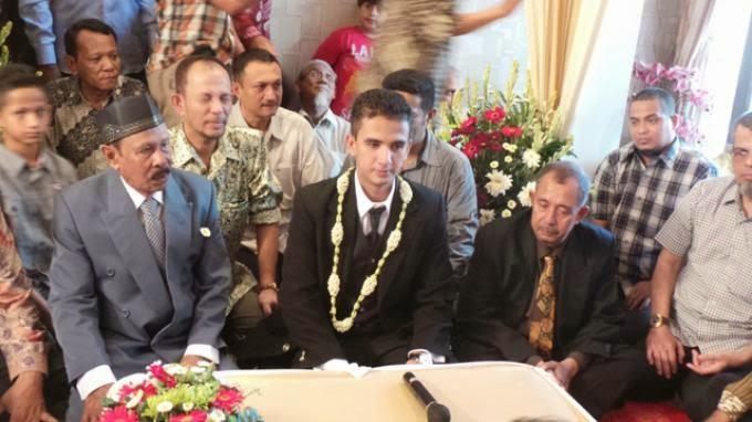 foto pernikahan Thoriq wasit ISL