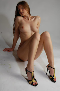 Naked brunnette - rs-9031067vfv-796158.jpg