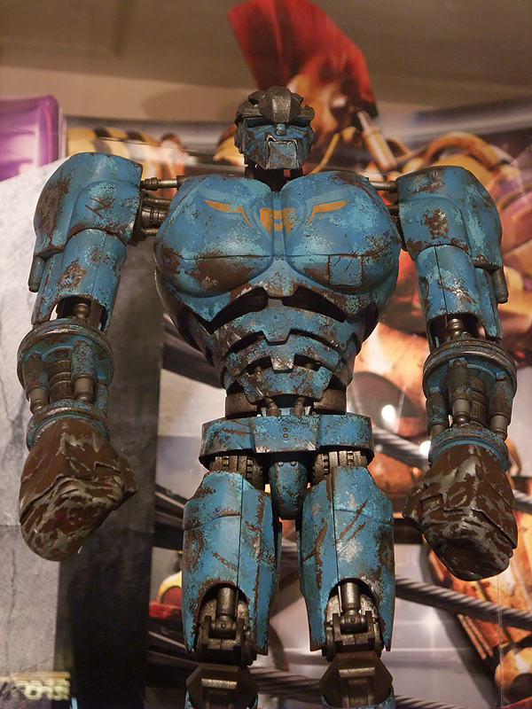 Toyhaven  3a Real Steel Ambush Robot Figure Preview
