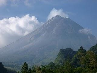 Kekuatan Mistis Gunung Merapi
