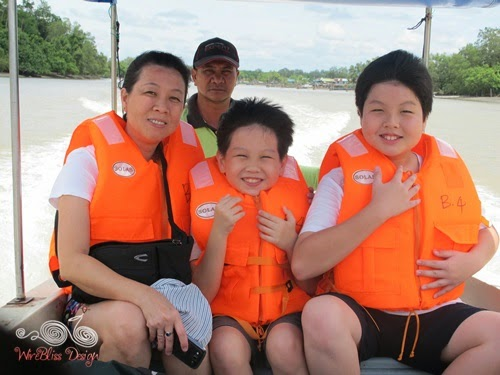 Bako National Park -happy faces on the boat- WireBliss