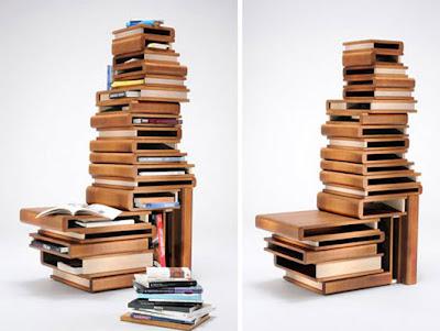 Diseño de estantes en forma de libros antiguos