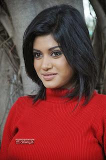 Madha-Yaanai-Koottam-Actress-Oviya-Stills-at-Movie-Press-Meet