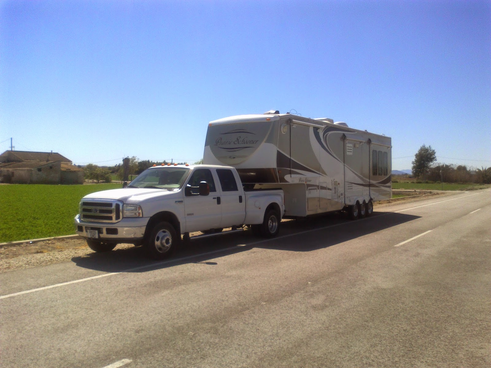 5th wheel towing, transport and delivery, Spain