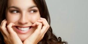 5 Manfaat Senyum bagi kesehatan dan kecantikan