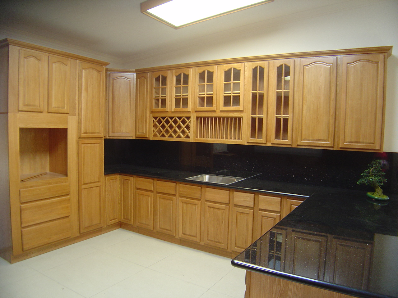 Kitchen Design Ideas with Oak Cabinets