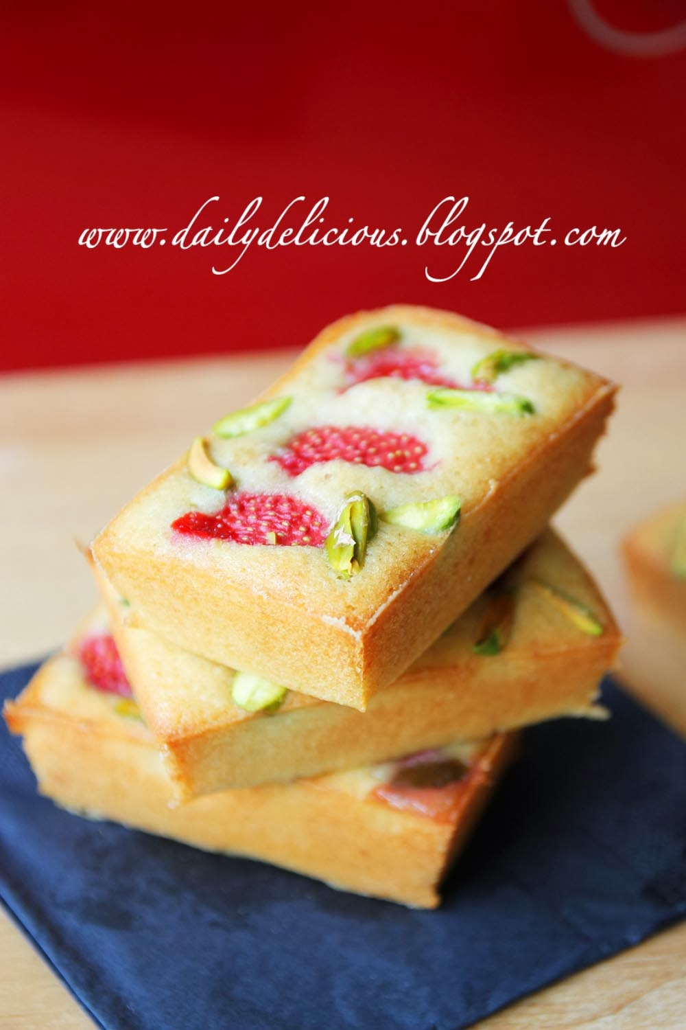 dailydelicious  easy daily bake  strawberry and pistachio