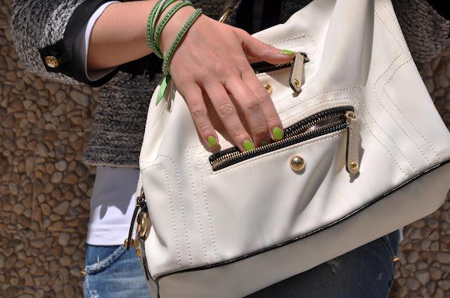 borsa bianca tod's, jeans cycle, ballerine, verde menta, orecchini le gille,revlon,