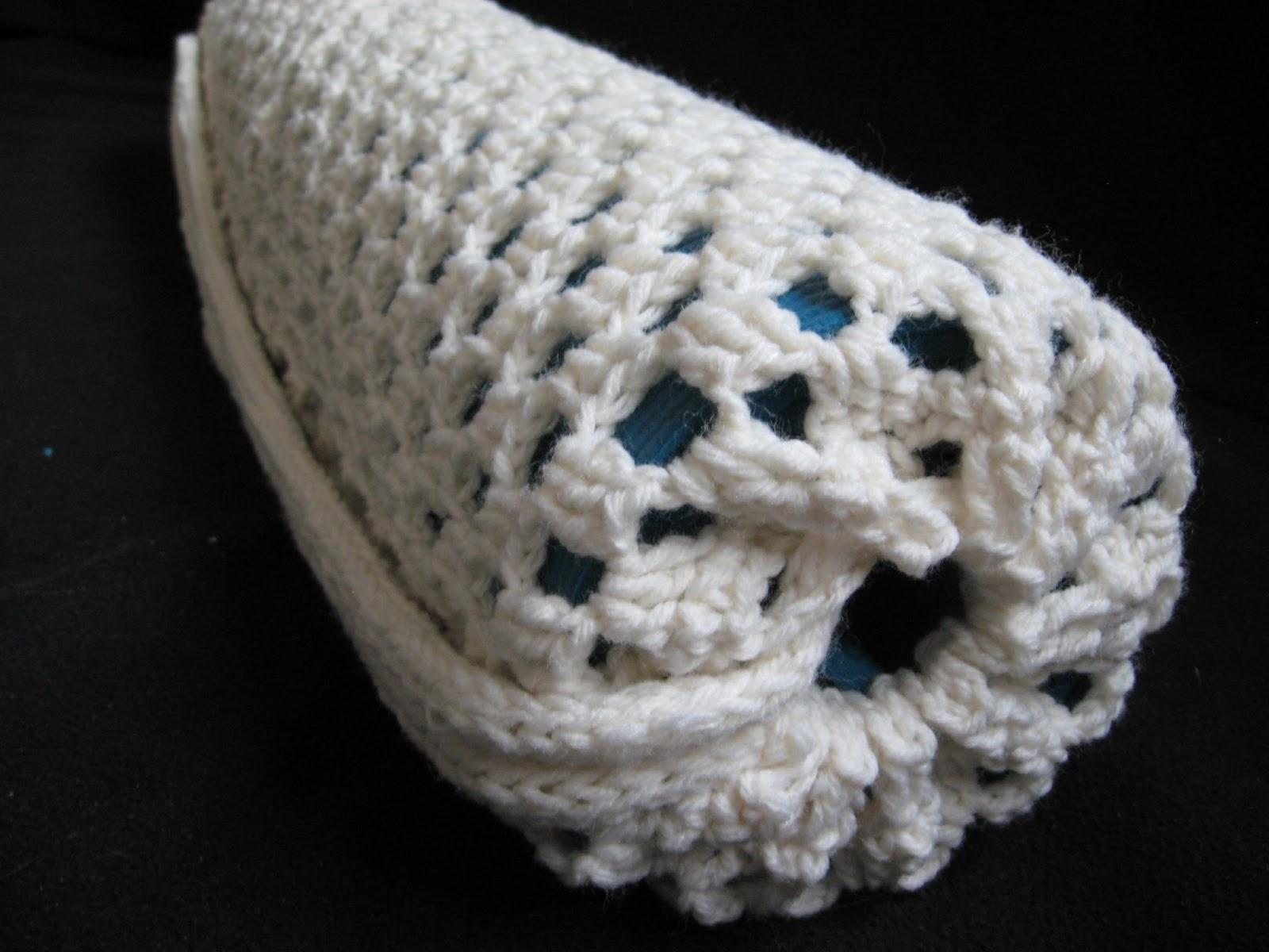 Chickaddie\'s Nest: Crocheted Yoga Mat Bag