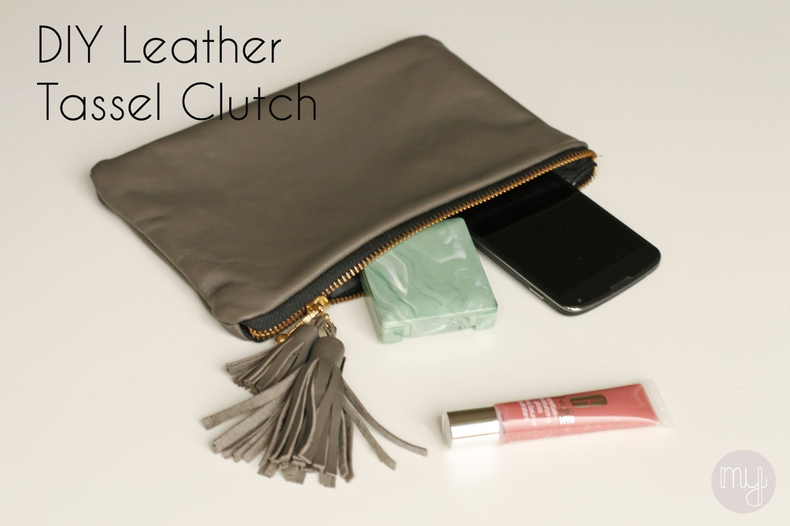 diy leder clutch mit quasten mit tricks zum einfachen n hen von leder. Black Bedroom Furniture Sets. Home Design Ideas