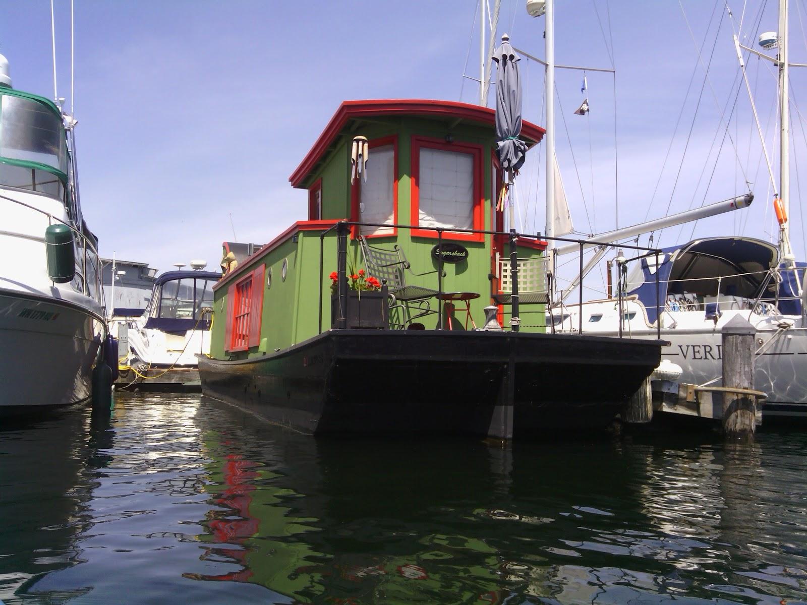 Small house barges on Lake Union Jack Stub