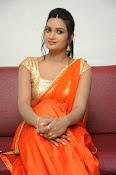 Srivani Reddy new sizzling pics-thumbnail-1