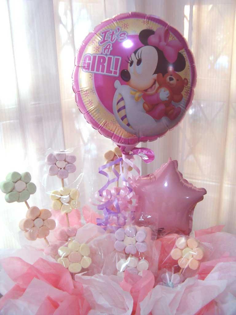 Centro de mesa con flores y globos imagui for Mesa baby shower nino
