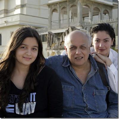 Alia Bhatt Childhood Photos and family photos |Alia Bhatt