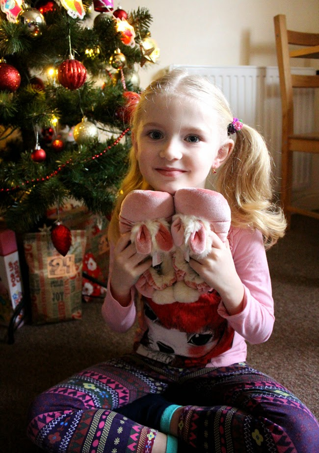 fluffy slippers, girl at christmas, christmas morning, todaymyway.com