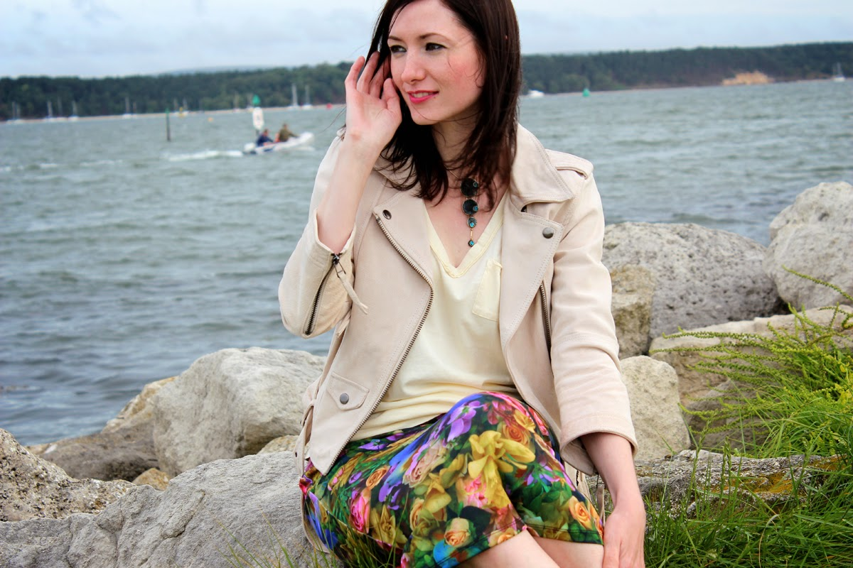 at the seaside, outfit post
