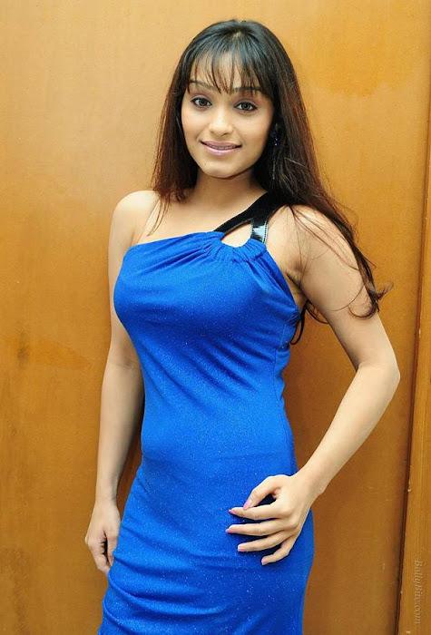 side | arya vora in blue actress pics
