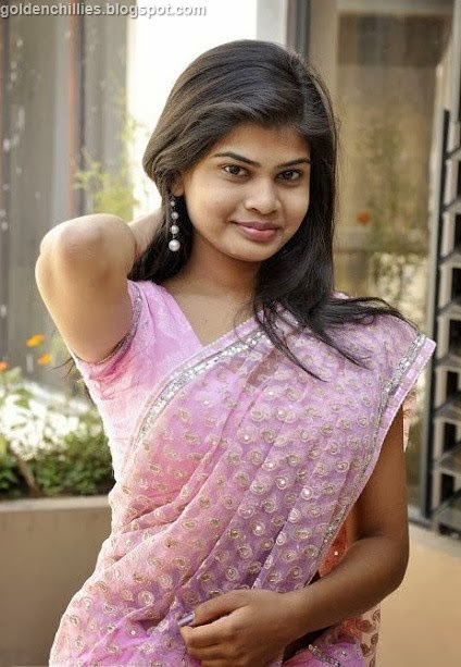 spicy Indian girls exposing in saree,hot actress photos,Bollywood hot actress,Indian actress wallpapers