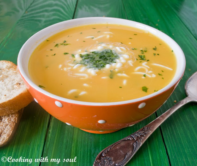Supa de morcovi cu ghimbir si lapte de cocos