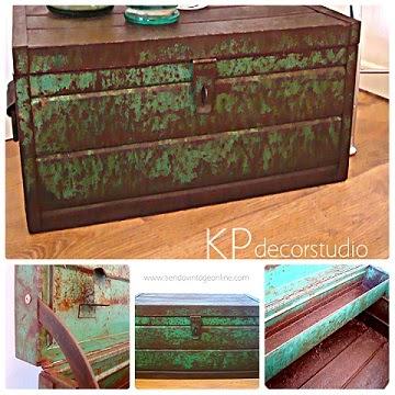 Cajas de metal antiguas y objetos para decoración. Ideas e inspiración para decoradores e interioristas.