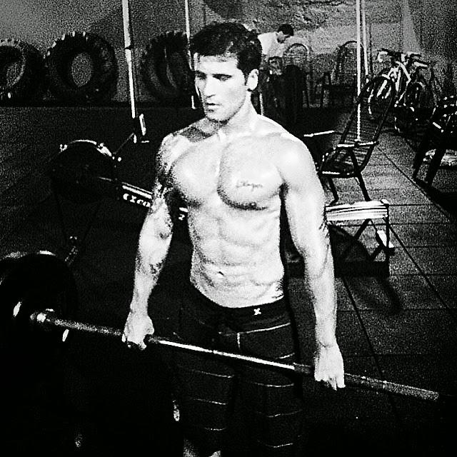 Sem camisa, Bruno Gagliasso posta foto em academia e mostra o corpo sarado. Foto: Arquivo pessoal