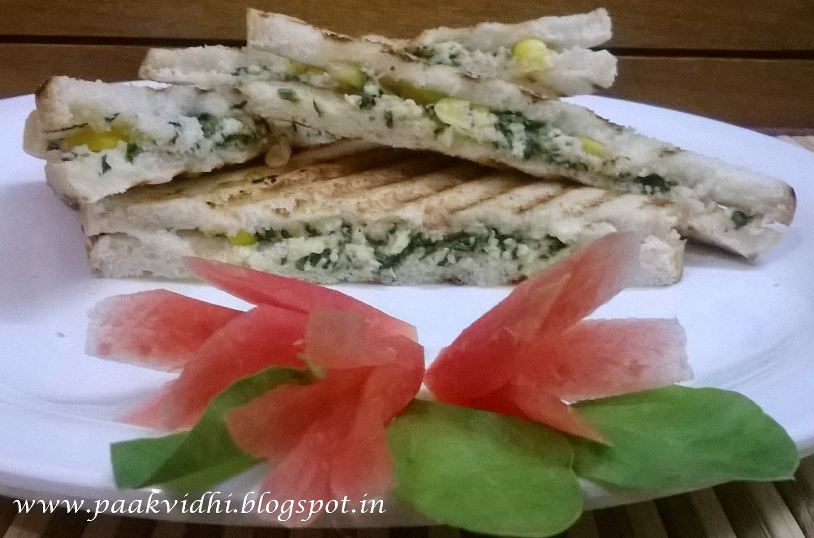 http://paakvidhi.blogspot.in/2014/04/corn-spinach-sandwich.html