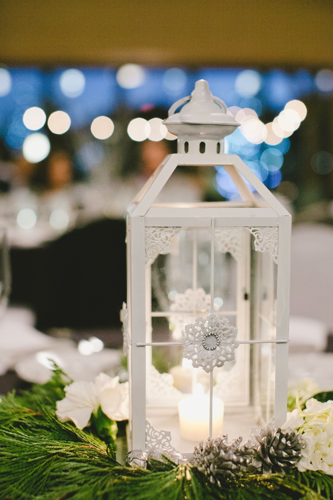 Winter wedding centerpiece // Bethany Carlson Photography // Take the Cake Event Planning