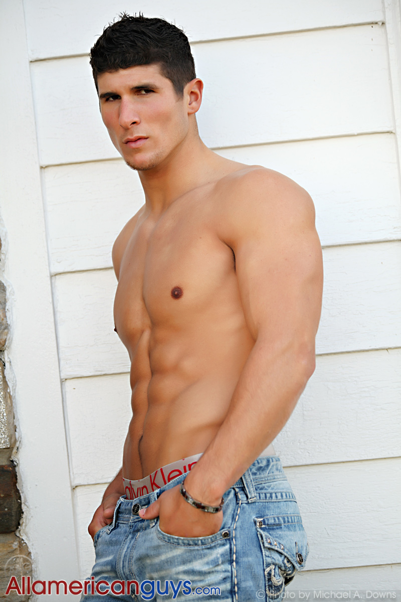 Picture About AAG Male Model Taylor R from Top Fit Guys